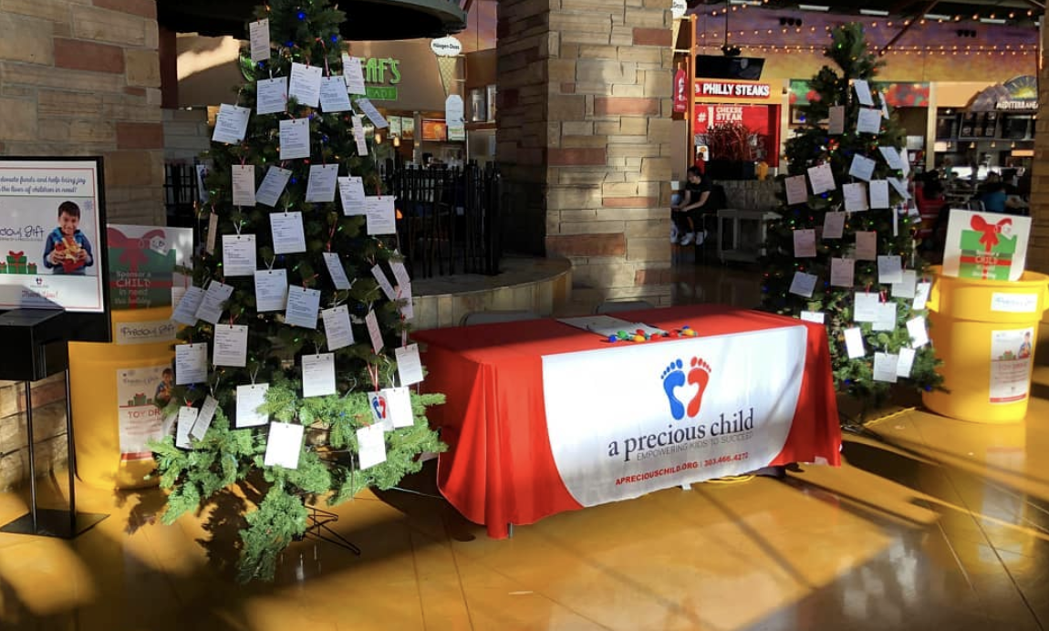 Image of the giving trees located in FlatIron Crossing's Food Court.