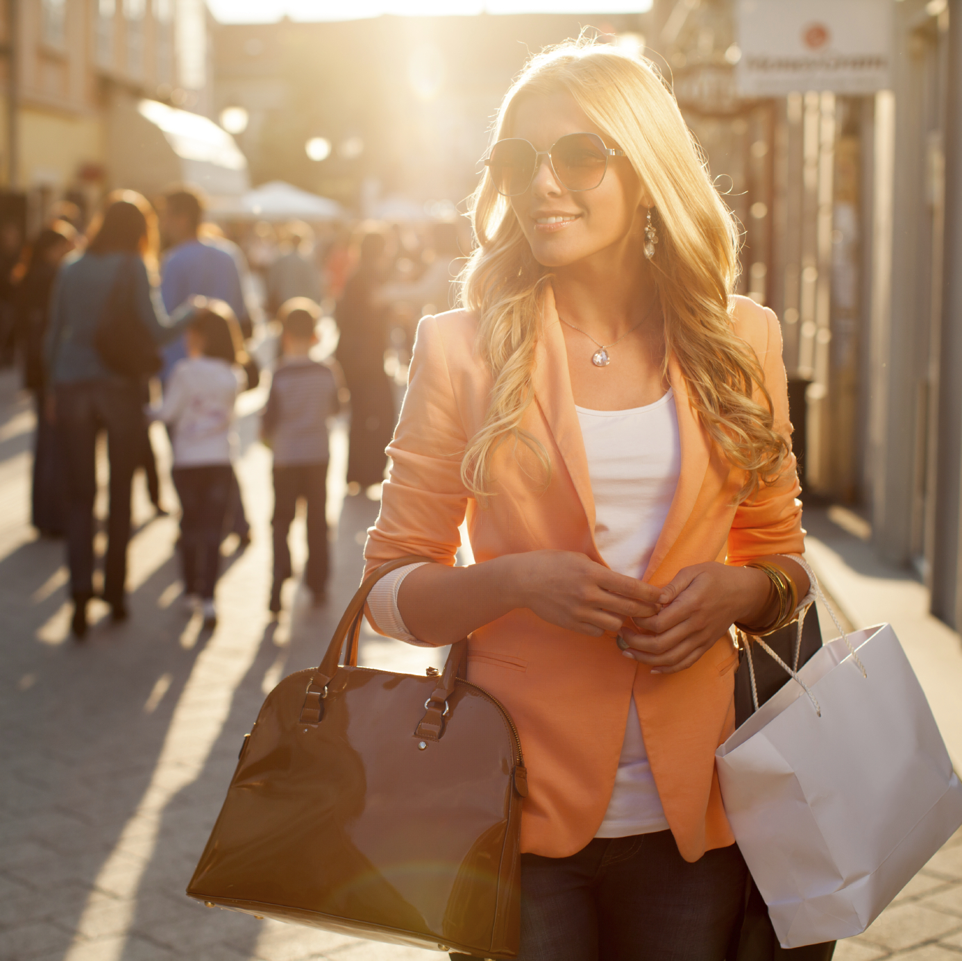 woman shopping, sun, sunglasses