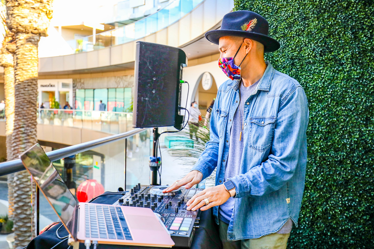 DJ Hapa at Santa Monica Place