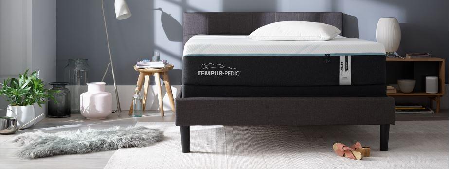 Image of Tempur Pedic bed promoting summer of sleep sale