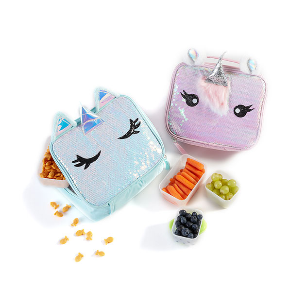 Unicorn lunchboxes and snacks