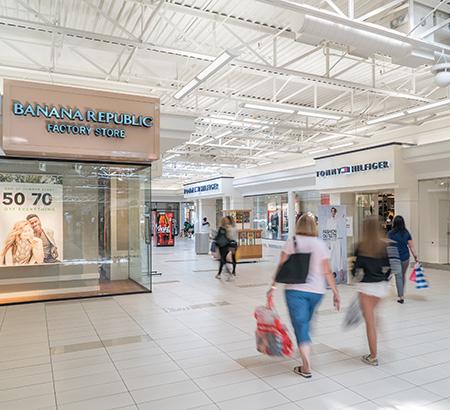 Banana Republic Factory Store and Tommy Hilfiger store at Fashion Outlets of Niagara Falls USA