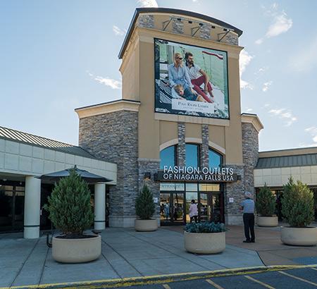 Entrance to Fashion Outlets of Niagara Falls, USA