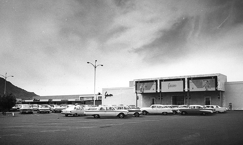 Black and white photo of Scottsdale Fashion Square in the 1960s