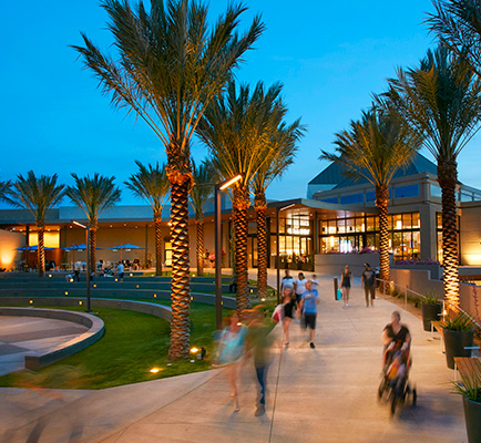 Image of Arrowhead Towne Center's exterior