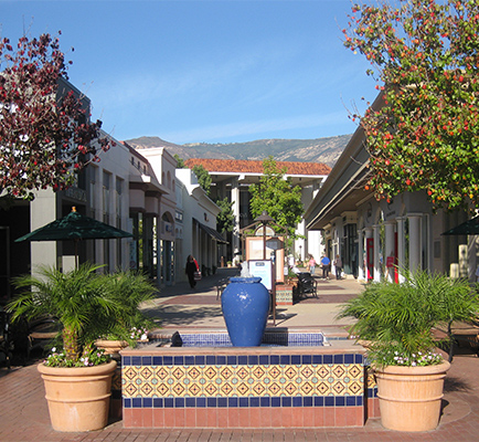 Image of La Cumbre Plaza