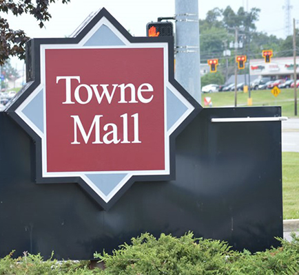 Image of Towne Mall exterior signage
