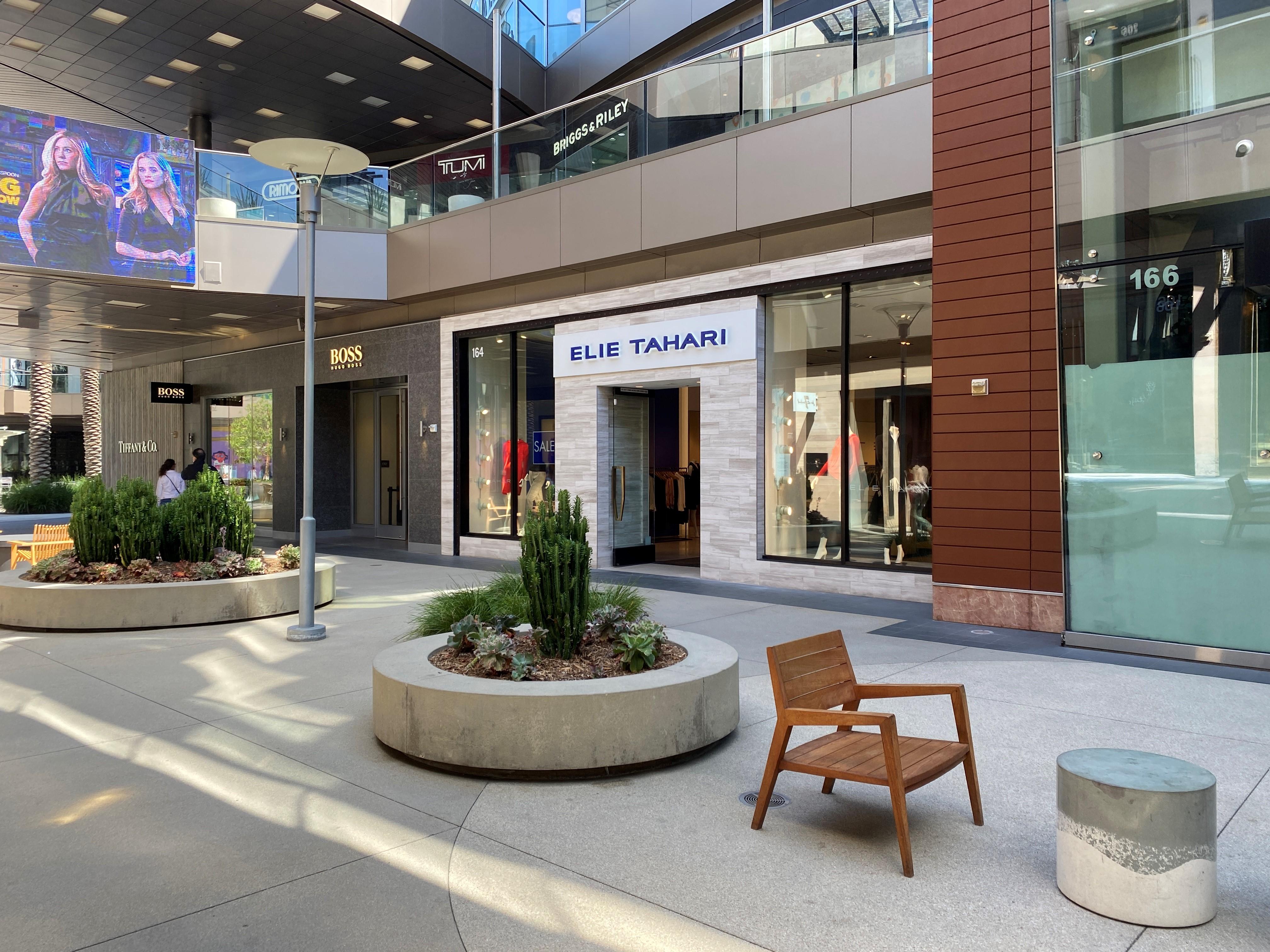 Elie Tahari Storefront